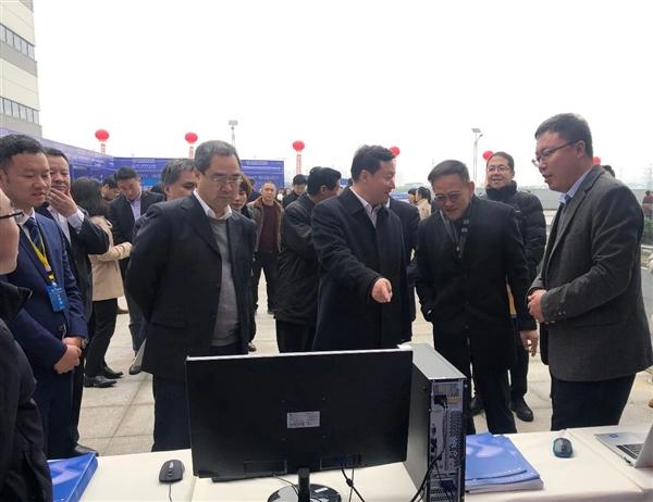 四川首条信创产线:国产CPU+国产OS的样机下线
